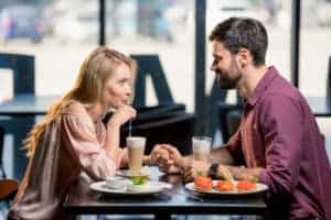 Ile kosztuje jedzenie w warszawskich restauracjach?